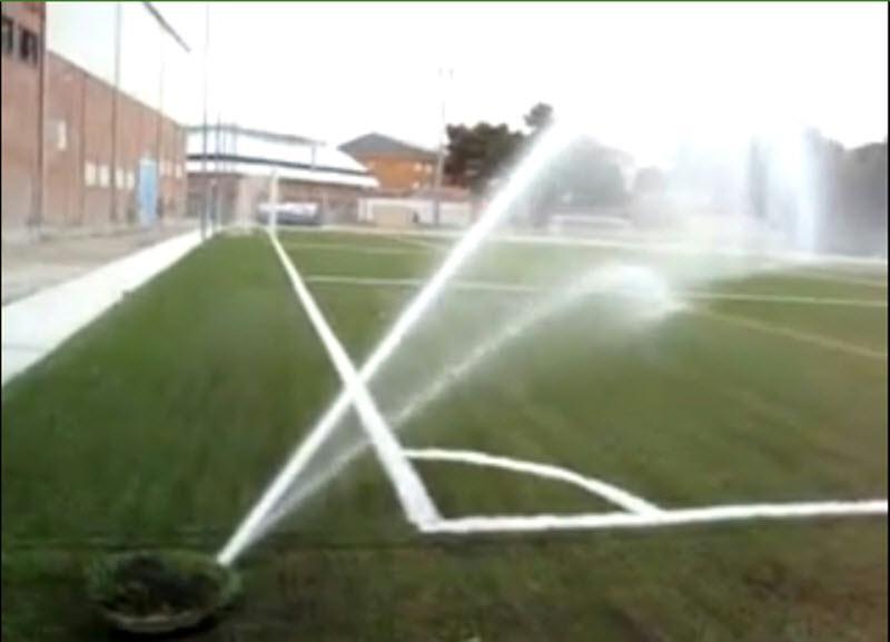 El riego del c sped en los estadios de f tbol ris iberia - Aspersores de riego ...